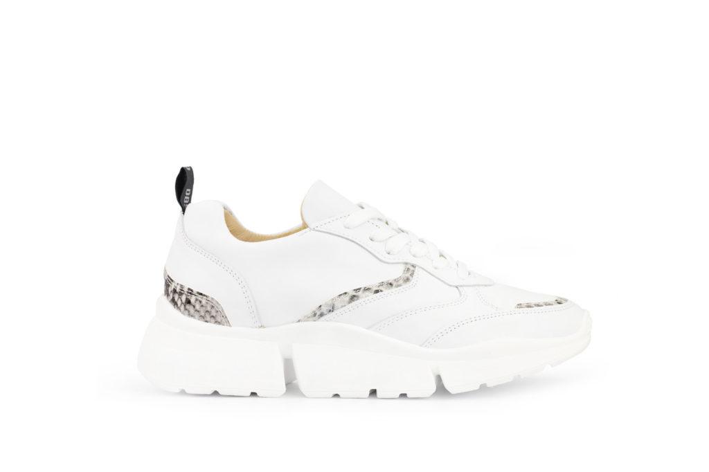 Witte slangen stijl schoenen