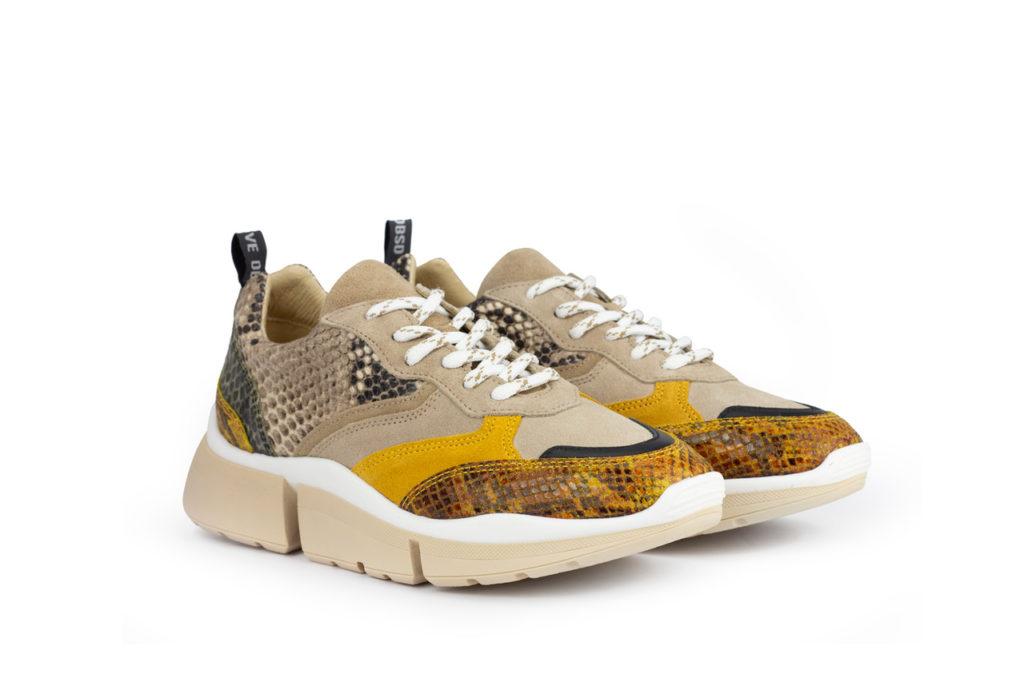 Gele slang stijl schoenen